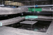 免震構造・可とう配管